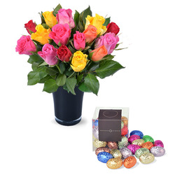 20 roses and vase with 20 mini Easter eggs