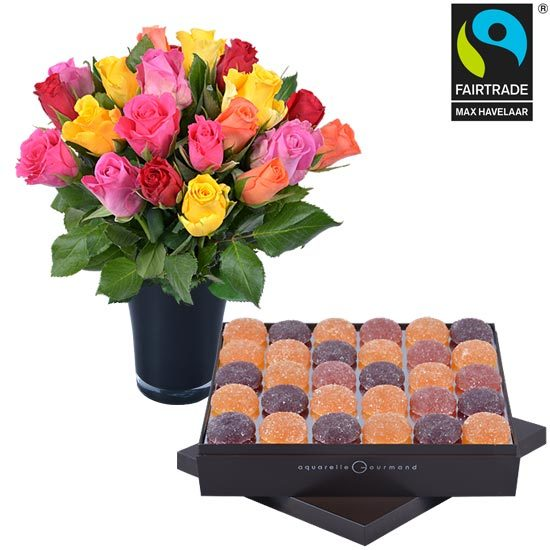 Fruit pastes + 20 roses and a vase