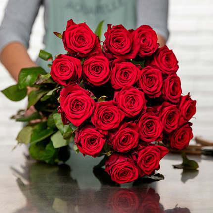 Red Roses for Spain
