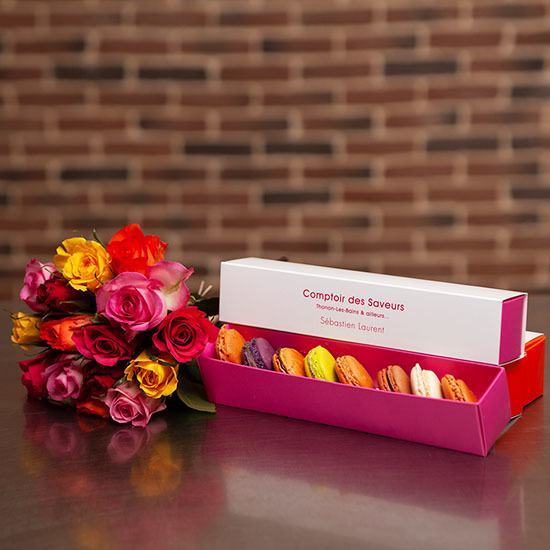 Assortment of macaroons and 15 roses