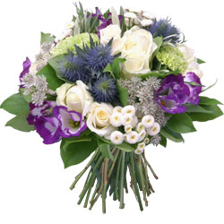 Bouquet in white and blue