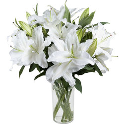 Order a bouquet of perfumed lilies