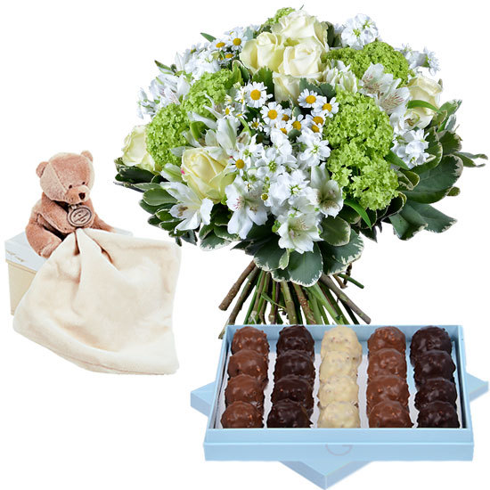 Bouquet with rochers and a teddy bear